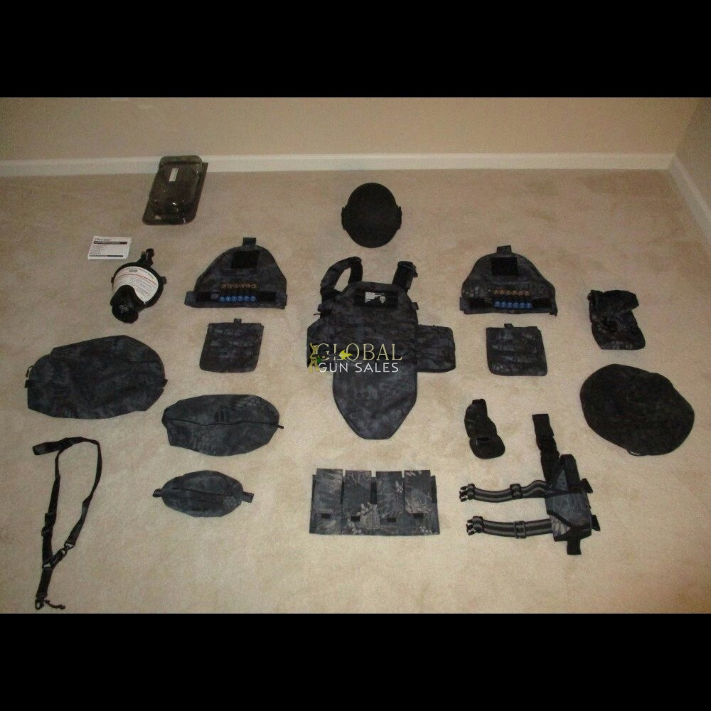 TYPHON KRYPTEK URBAN NIGHT CAMO VEST PACKAGE WITH ACCESSORIES, RARE!